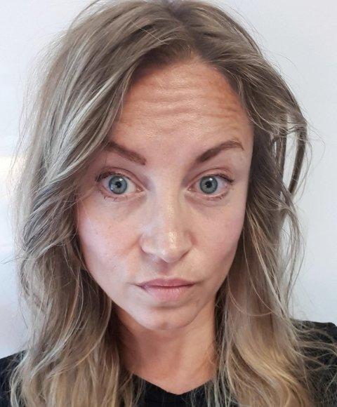 VURDERER DUSØR: Elisabeth Ellingsen i Dyrebeskyttelsen Haugaland reagerer sterkt på historien om katten som ble skutt mellom øynene på Vormedal. Nå vurderer hun å utlove dusør.