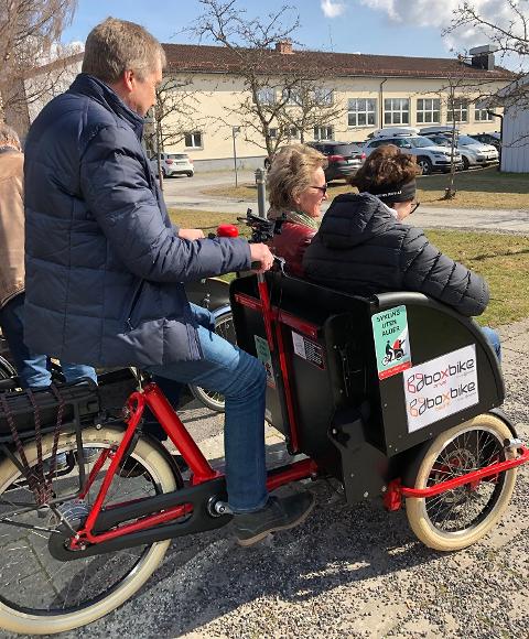 Testtur: Flesberg frivilligsentral har vært i Skien og testet sykler, og bestemt seg for en modell som blir levert 8. mai.