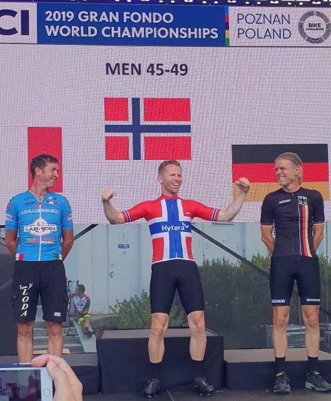 VERDENSMESTER: Fred Voldset deltok i klassen 45-49 år, og var først over målstreken. Dermed kan han kalle seg verdensmester på landeveissykkel.
