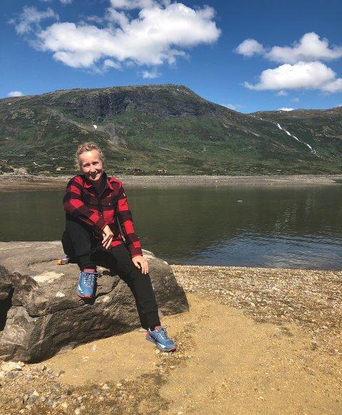 Femte året som festivalsjef: Julie Forchhammer har jobbet som festivalsjef for Vinjerock i fem år. Hun syns at «vinjefolket» som besøker festivalen er en fantastisk gjeng med mennesker.