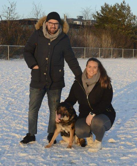 Fornøyde: Arvin Alamdari og Ann-Cathrin Joneid kommer til å ta med seg Kendra i parken flere ganger.