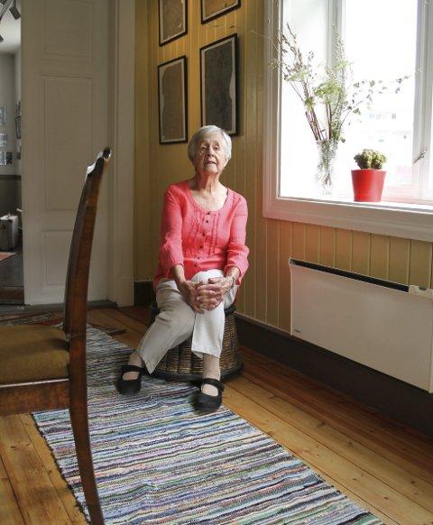 2020: Tønseth fotografert i det samme og ferdig restaurerte rommet, 85 år etterpå. foto: lars ivar hordnes