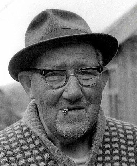Waldemar Hakkelberg med sneipen i kjeften. Fotografert rundt 1969/70 (foto: Tor Helge Lyngstøl)