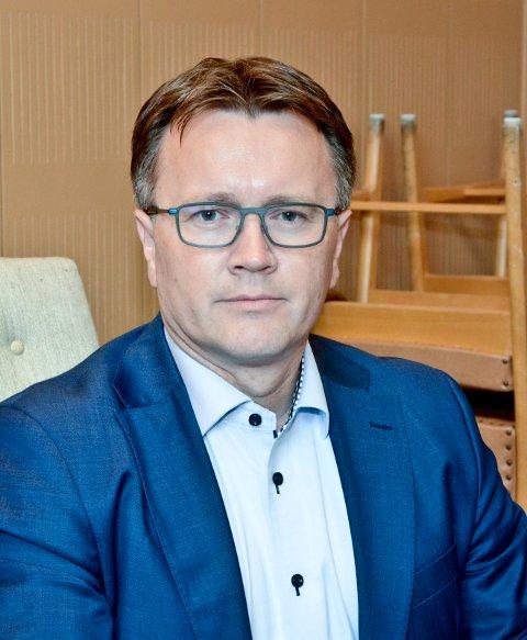 Espen Rpkken leder kontrollutvalget i Bodø kommune.