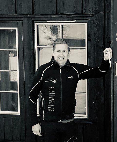 BEDRE ENN FORVENTET: Øyvind Hasseløy var positiv på begynnelsen av 2021, men er likevel overrasket. Nå er han snart klar  med nye tomter på Vågslid.