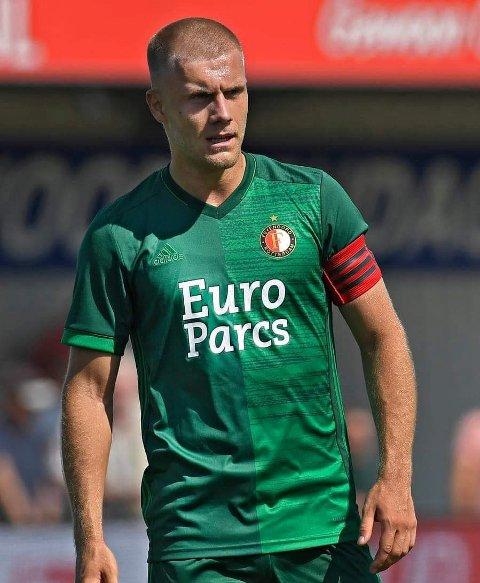 KAPTEIN: Sondre Skogen skal denne sesongen bære kapteinsbindet for Feyenoord 2. I sommer var han med A-laget og fikk mye spilletid i treningskampene.