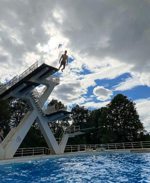 VM-TRENING: Kevin Skjærvik trente fredag på hoppet han skal bruke under VM-konkurransen  lørdag ettermiddag.