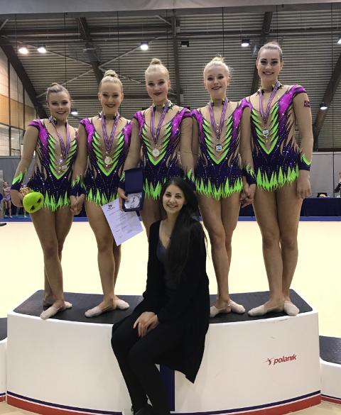 VINNERE: Kaisa Dalen Jensen (f.v.), Feyme Mestanli, Selma Karlsen, Elise Fjeldheim og Emilie Saltvedt .