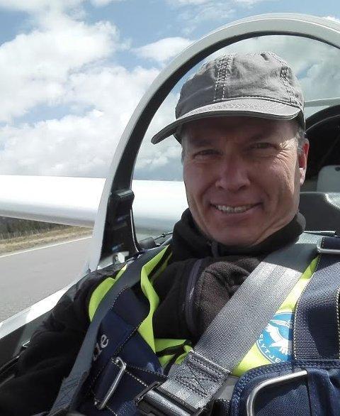 Torleif Ringsaker frykter det kan bli slutt på all virksomhet  på Leirin, også for Valdres Flyklubb som han leder.