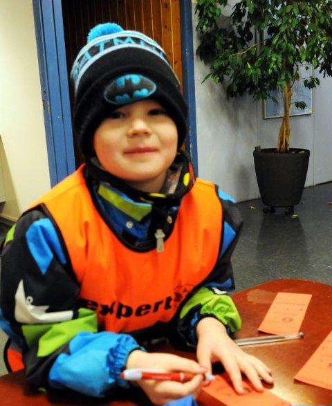 Seks år gamle Jonas Gullvik gleder seg til turen. – Det er ikke første gang jeg går turmarsj, sier han.