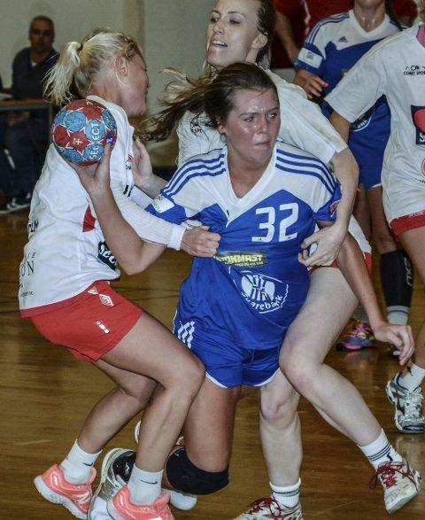 FIRE MÅL: Jenny Bradahl scoret fire mål da Toten HK slo Skedsmo 21-19. Foto: Frode Klevrud