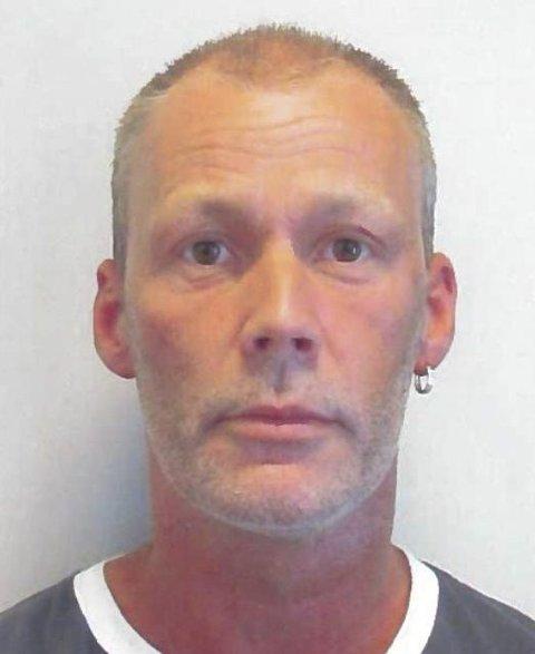 Thor-Helge Kristoffersen ble sist observert 24. november på Brotorvet. 50-åringen er for mange kjent som «Brorsi». Personer som har opplysninger i forsvinningssaken bes kontakte politiet på 02800.