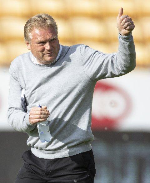 SKJERPET: LSK-trener Jörgen Lennartsson er forberedt på en vanskelig kamp mot Strømmen i 3. runde. FOTO: NTB SCANPIX