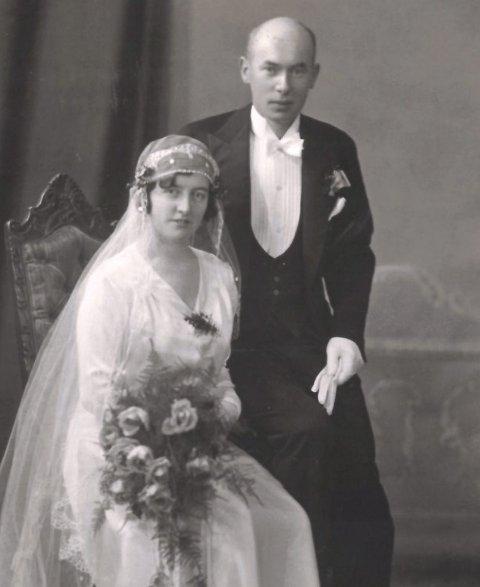 KORTVARIG LYKKE: I 1931 giftet Hjørdis seg med verksmester          Arne Gildberg. Sammen fikk de datteren Haldis, men tragisk nok døde Hjørdis kort tid etter fødselsen.