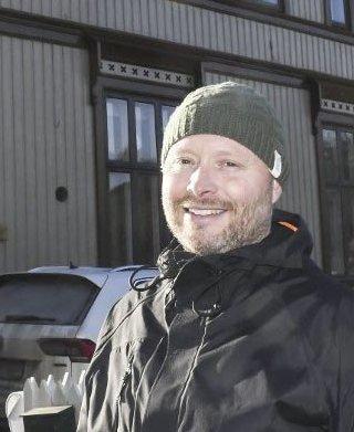 Reagerer: Odd Rune Espeland mener tidligere bokbyleder Solveig Røvik bør stå ved sitt løfte om å betale for den jobben håndballjentene på Vegårshei gjorde . Arkivfoto