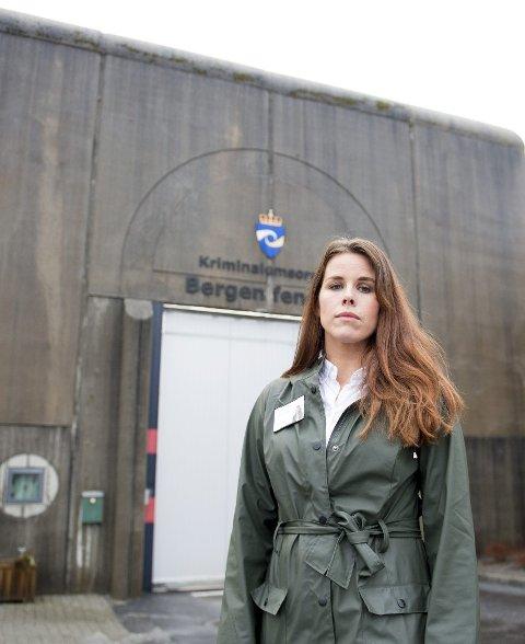 Psykolog Mona Rekkedal-Svensson behandler personer som er dømt for seksuelle overgrep. – Behandlingen jobber for å redusere den enkeltes risiko for å begå nye overgrep, sier hun.FOTO: ARNE RISTESUND