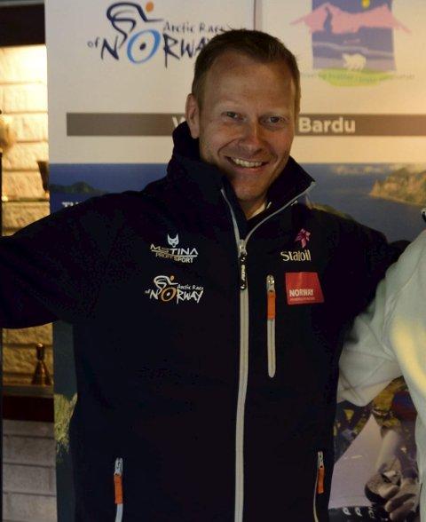 SLIPPER LAGENE: Knut-Eirik Dybdal, daglig leder Arctic Race of Norway på sykkel.