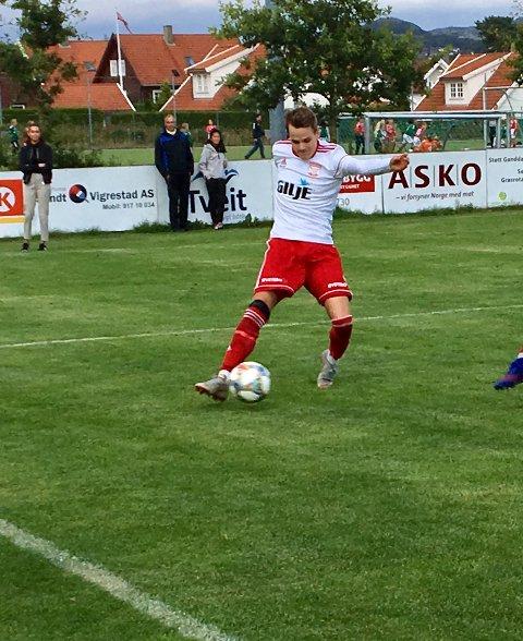 Petter Brattebø (her fra kampen mot Ganddal sist uke) og hans lagkamerater måtte tåle et solid tap mot den suverene serielederen Julebygda.