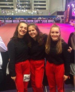 TIL VM: Gruppen Switch er klar for VM. Fra venstre: Nadja Buric, Amalie Ludvigsen og Aurora Veiden Skottene. Foto: Privat
