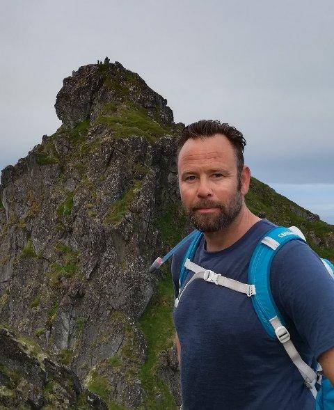 BORT MED STORNAPPSTIND: Idrettsfaglærer Finn-Åsmund Holst Sandnes, mener Stornappstinden bør bort fra årets ti på topp.