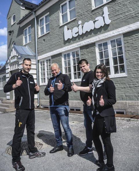 Prøver igjen: De gjenåpner Heimat på flotte Notodden stasjon etter å ha vært stengt i vinter. Fra venstre kjøkkensjef Aksel Ustrup, Sverre Ødegård, Atle Dreyer Isaksen og Tone Dreyer Isaksen.