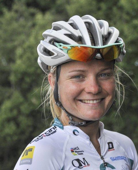 2 medaljehåp: Emilie Moberg (24) er landets beste kvinnelige landeveissyklist med flere toppresultater internasjonalt i en stor idrett. Deltok i OL i London i 2012, og i Rio neste år er Moberg et mulig medaljehåp. Hun er også en direkte årsak til at et stort internasjonalt sykkelritt (Ladies Tour) arrangeres i Halden i august hvert år.