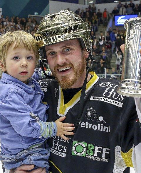 5 stor karriere: Peter Lorentzen (32) fra Øberg har opplevd mye i sin hockeykarriere. Topp juniorhockey i Statene, fast spill i svensk eliteserie, toppscorer for Comet i eliteserien og suksess i Norge og Europa med Stavanger Oilers siden 2009. Lorentzen har vunnet fem NM-gull, like mange som Sparta og Stjernen til sammen.