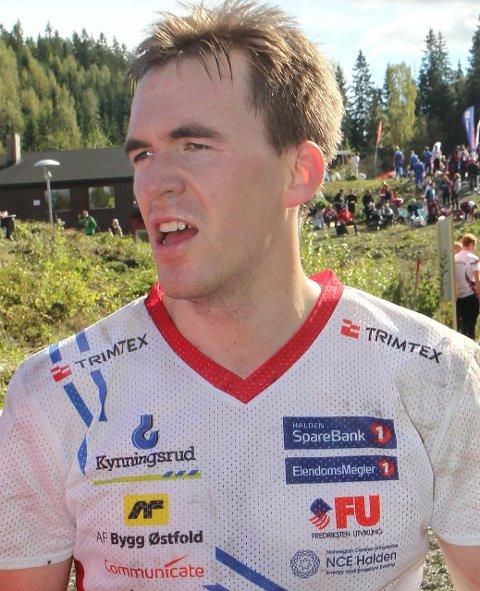 11 i verdenstoppen: Magne Dæhli (28) fra Løten har løpt for Halden SK i flere år, og er nå i verdenstoppen etter flere år med skadeproblemer. To sølv i VM på stafett, og 4. plass i sommerens VM i Skottland individuelt. Flere NM-gull, en rekke medaljer i junior-VM og seire i de store stafettene med HSK.