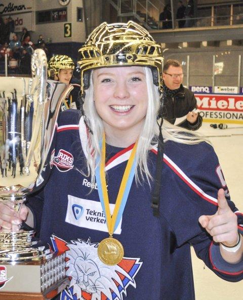 15 på toppen: Madelen Haug Hansen (22) fra Gimle vant i sommer Gullpucken som landets beste hockeyspiller. En høyere utmerkelse kan du ikke få i norsk ishockey. Svensk mester to ganger og en nøkkelspiller både for Linköping og det norske landslaget. Neste steg for Madelen er amerikansk proffliga, og det kan fort bli en realitet.