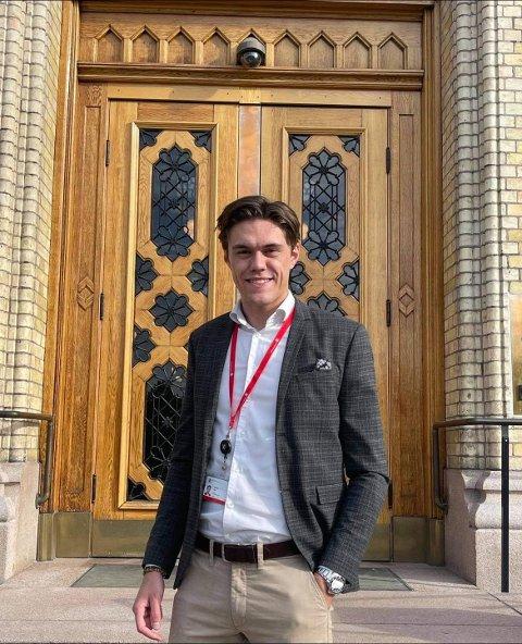 ROSES: Herman Fåne ble møtt med tverrpolitiske lykkeønskninger da han søndag skrev på Facebook at han er på utkikk etter ny jobb.