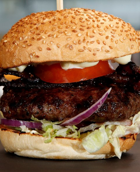 OSLO  20141111. Burger Bar Folketeaterpassasjen. Hamburger. Foto: Cornelius Poppe / NTB scanpix
