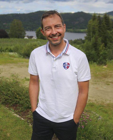 Kim Mogen Myhre er leder/gruppeleder Øvre Eiker Senterparti