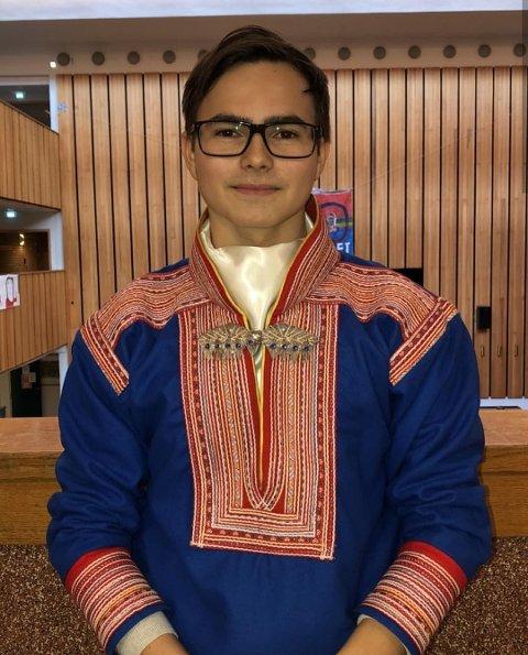 Lemet Sara, russepresident på Narvik videregående skole, avdeling Frydenlund.