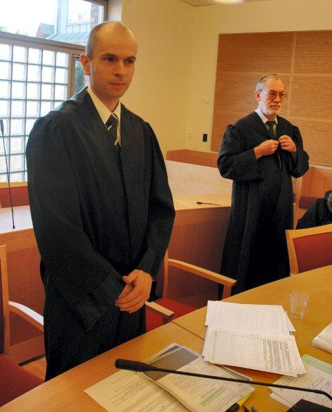 GJENSYN: Hortensadvokatene Øivind Rief Armo (t.v.) som forsvrer og Helge Hjetland som bistandsadvokat skal stå sammen i retten igjen.