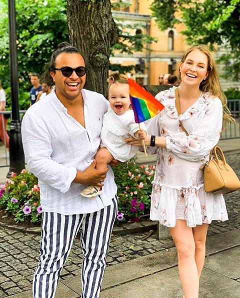 Familie på tre, snart fire: Nikoline, Noelle og Sebastian trives i Oslo og vil ikke tilbake til Nøtterøy, i alle fall ikke med det første.
