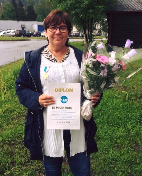 HEDRET: Eli Kristine Ekeren ble i sommer hedret av Norges Korforbund for lang og tro tjeneste.