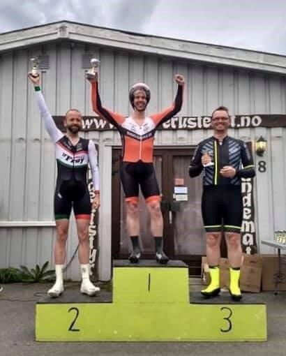SPREKING: John Harald Hellesvik fra Bingsfoss SK vant sin klasse 40-44 år på Harestua, til tross for null oppvarming. FOTO: PRIVAT