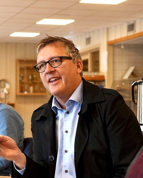 Rune Støstad og de andre 11 ordførerene krever at Nortura åpner opp for at ansatte eller andre får overta anlegget på Otta.