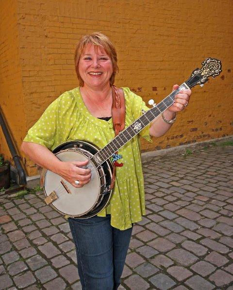 Til Sarpsborg scene: Banjo-Kari.