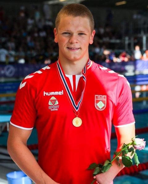 FÅR PENGER: Fredrik Solberg fra Tønsberg svømmeklubb kan glede seg over et tilskudd til satsingen som parasvømmer.