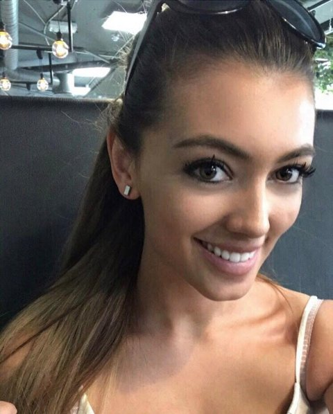 Karine Dreys (22) skal kjempe om førsteplassen og 500.000 kroner under finalen i Brun og blids modellkonkurranse i Bergen 3. juni.