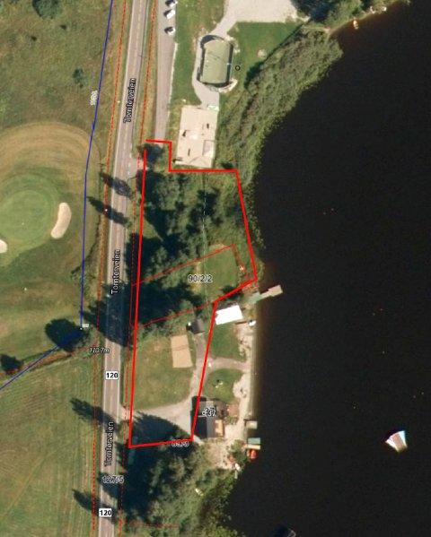 Det er dette området ved Enebakk Vannskiklubb som skal bli parkeringsplass og ny innkjøring til vannskiklubben.