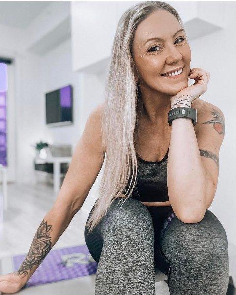 POPULÆR: Liv Kjos (51) fra Jessheim har 18.000 følgere på instagramkontoen @treningsliv. Før hun fikk dilla på trening, jobbet hun i skjønnhetsbransjen. Så, under en festmiddag nyttårsaften, ble hun klar for en livsstilsendring.