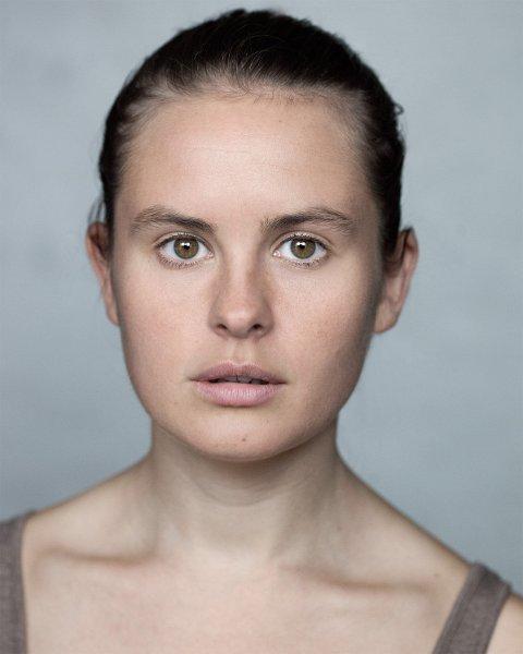 LADYEN: Mira Dyrnes Askelund (33) er profesjonell skuespiller ved Trøndelag Teater der hun har jobbet siden 2014. Hun har sin teaterutdanning og en bachelorgrad fra den nasjonale teaterhøyskolen i Skottland.