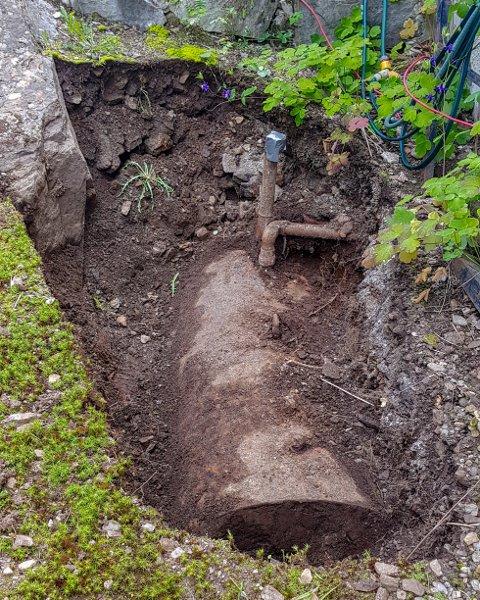 Nedgravde oljetanker kan utgjøre en stor miljøfare. Foto: Per-Inge Johnsen/Bodø kommune
