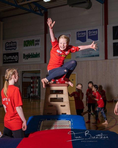 Nora Bjerga har storkost seg på treningshelg i Mastrahallen.