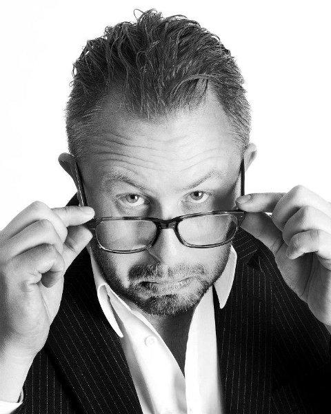 Alexander Hermansen har skrevet Fredrikstadunganes jubileumsforestilling som snart har premiere.