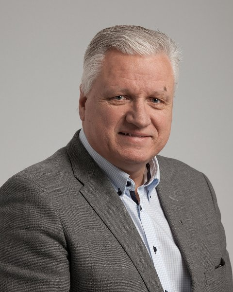 KS-direktør Trond Lesjø konstaterer at regjeringen strammer til ytterligere på kommuneøkonomien.
