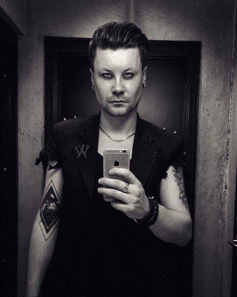 Torkjell spiller i bandet Wail, tidligere Mental Shutdown. De ga ut album i  januar, og jobber nå med neste utgivelse.