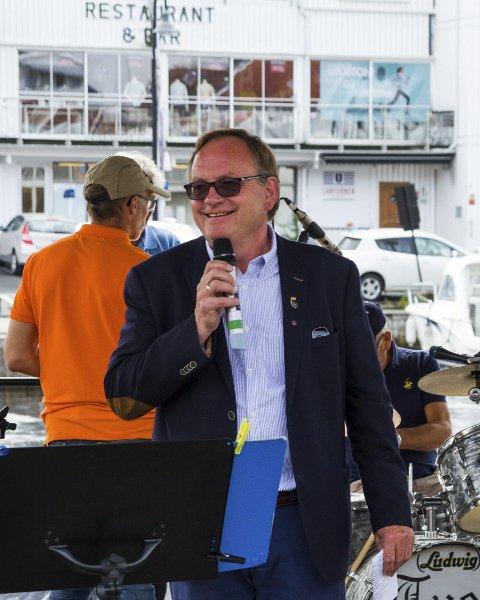 STOR REGNING: Kultursjef Harald Bothner må slå fast at kommunen har brukt over tre ganger mer enn budsjettert til festlighetene.